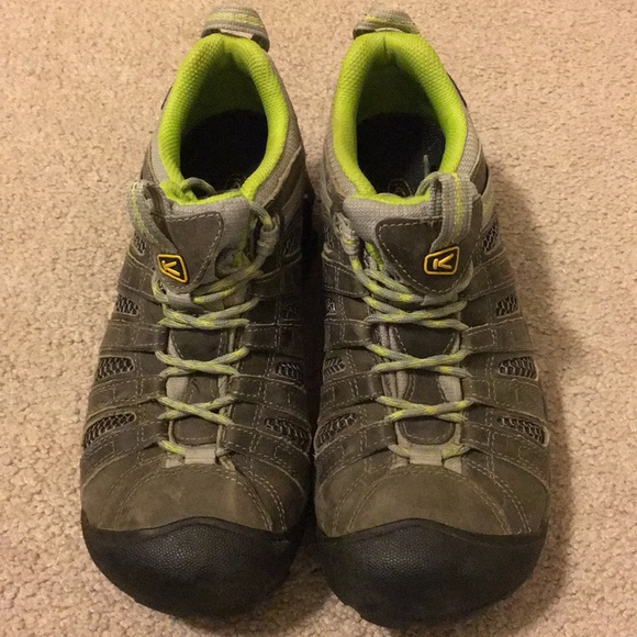 87373e1059df Keen Shoes - Womens keen hiking shoes size 39 cute color!